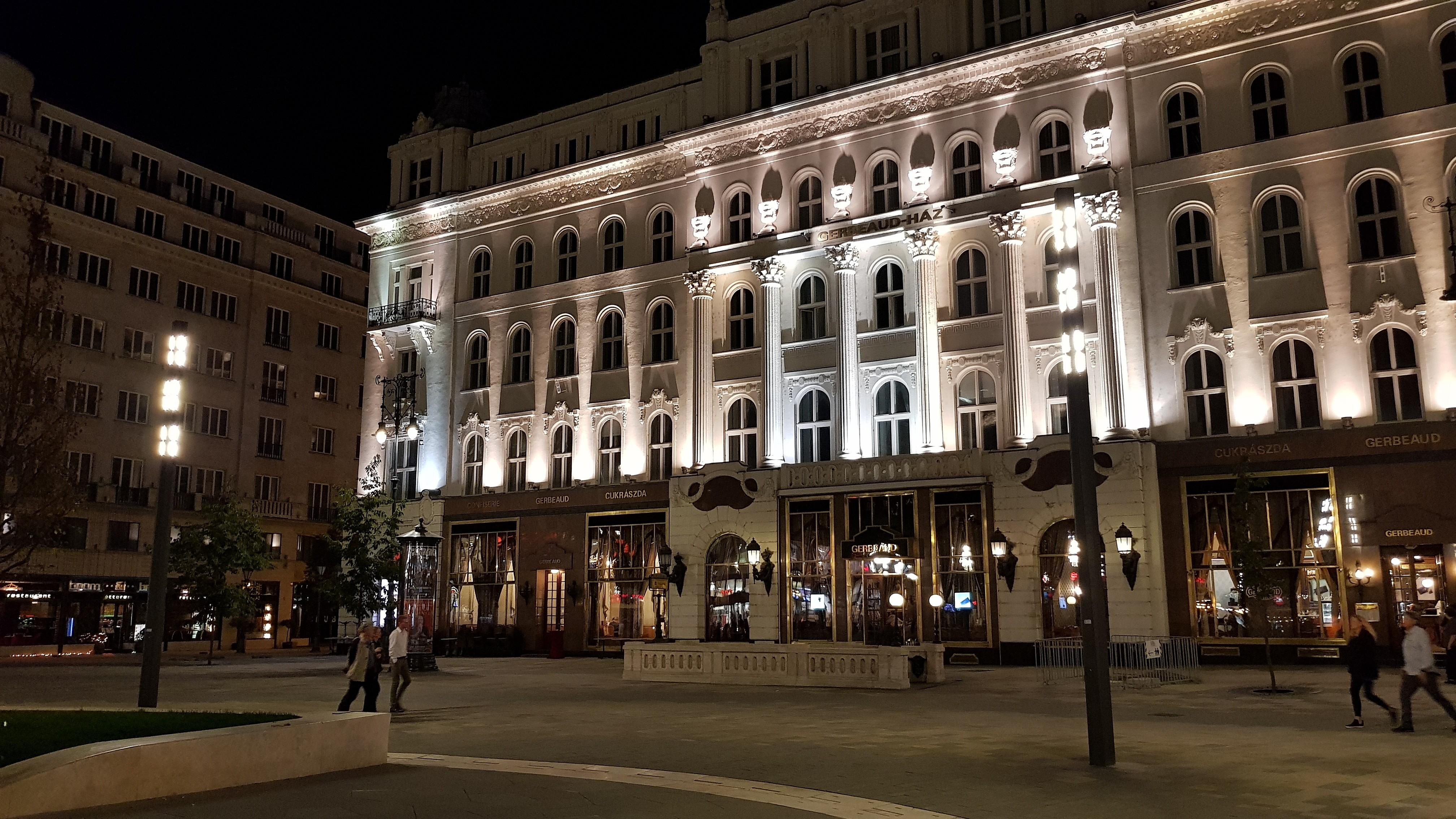 Budapest, Vörösmarty tér